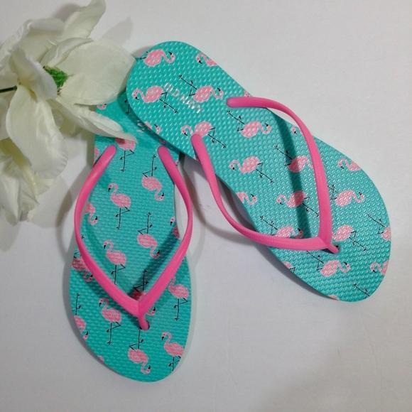 e0d0d99f2ac984 NEW Old Navy Pink Flamingo Green Flip Flops Size 8.  M 5abae62e2c705d3c2629f434